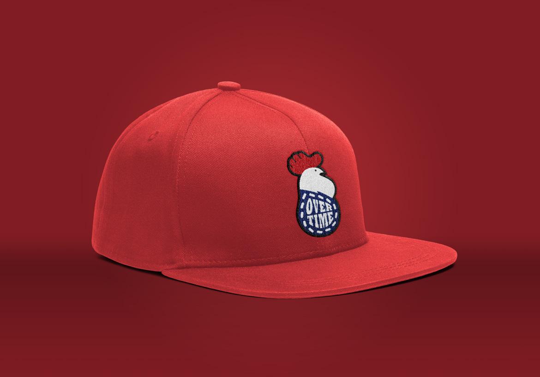 Le logo de Overtime choisi appliqué sur une casquette